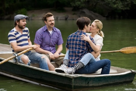 Dan, Box, Garret, and Erin in a boat from the New Line Cinema film Going the Distance