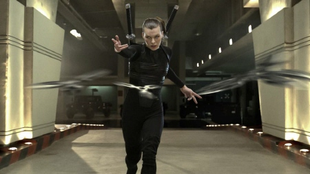 alice throwing stars from the Sony Pictures film Resident Evil Afterlife