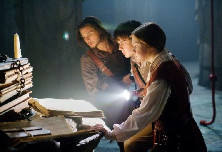 Caspian, Edmund, and Lucy from the 20th Century Fox film Chronicles of Narnia Voyage of the Dawn Treader