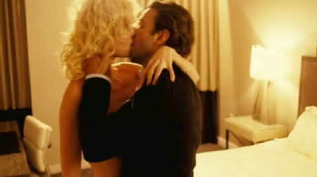 Eddie kissing the socialite from the Relativity Media film Limitless