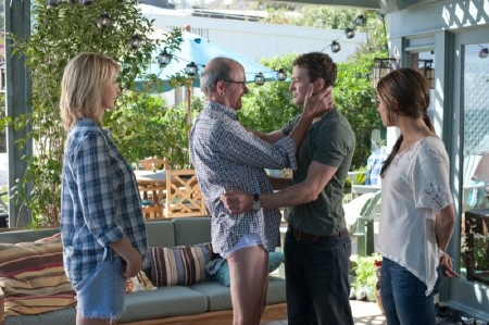 Mr. Harper wears no pants from the Castle Rock Entertainment film Friends With Benefits