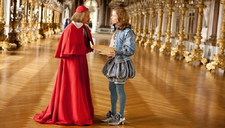 Christophe Waltz as Richelieu and Freddie Fox as the King from the Constantin Film Three Musketeers 2011