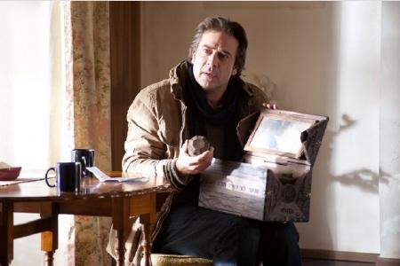 Jeffrey Dean Morgan investigates a Dibbuk Box