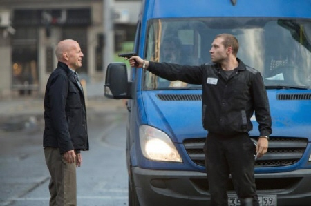 Jack holds a gun on John  from the 20th Century Fox film A Good Day to Die Hard