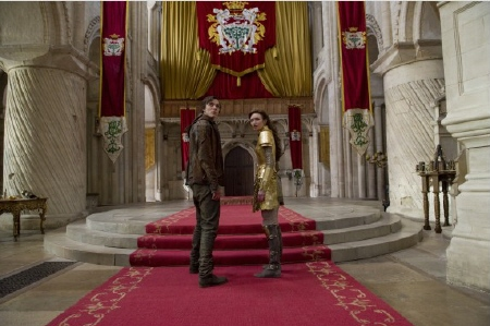 Jack and Isabelle in the throne room