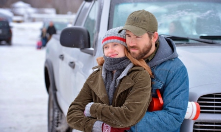 Mireille Enos and Ryan Reynolds from the E1 Entertainment film The Captive
